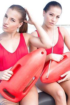 Anal twin lifeguards Silvia & Eveline Dellai - image