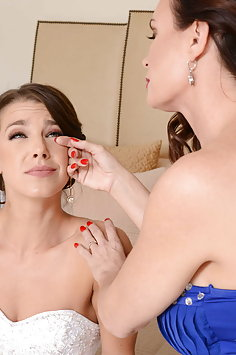 Evelin Stone & Diamond Foxx threesome | Moms Bang Teens - image