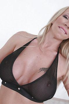 Lara De Santis triple anal gangbang | LegalPorno - image