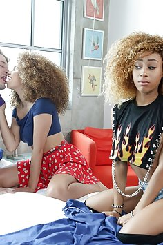 Cecilia Lion & Kendall Woods interracial threesome | Mofos Share My BF - image