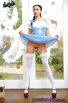 Ariana Marie  as Dorothy fucks Scarecrow | Passion HD