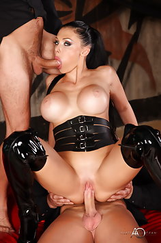 Double penetration for Aletta Ocean in leather outfit