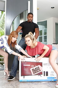 Zoey Monroe squirts over Lauren Phillips during interracial BBC threesome | Pimp.XXX BCM - image