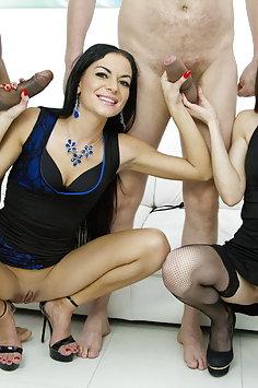 Arwen Gold & Inga Devil double anal penetration   LegalPorno - image