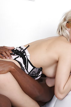 Ria Sunn interracial double penetration with 2 BBC | LegalPorno - image