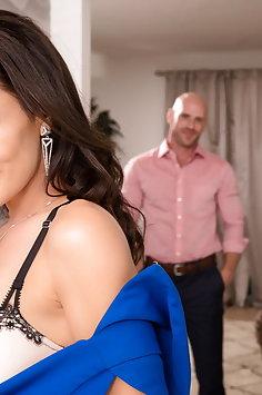 Lisa Ann back doing porn | EvilAngel - image