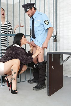 Romi Rain bails out cuckold husband from jail with her pussy | Pimp.XXX Cucked - image