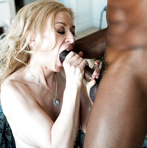 Nina Hartley interracial fuck with BBC Isiah Maxwell | XEmpire: Dark X
