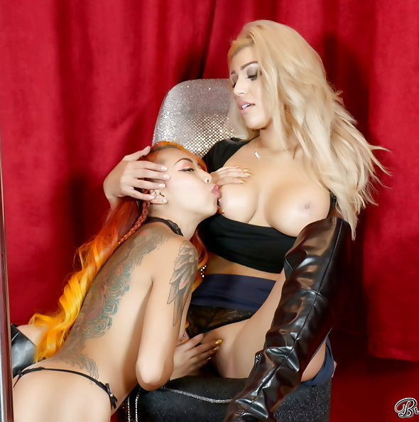 Briana Lee lapdance with Kimberley Chi