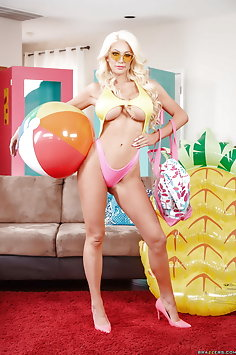 Threesome with Spring Break sex dolls Nicolette Shea & August Taylor | Brazzers - image