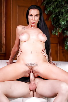 Texas Patti cheats on husband | DevilsFilm - image
