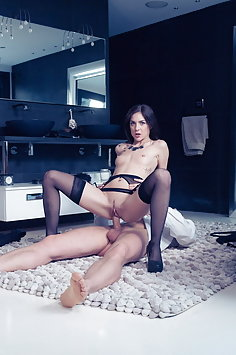 Deluxe escort Lullu Gun has anal with client   DorcelClub - image