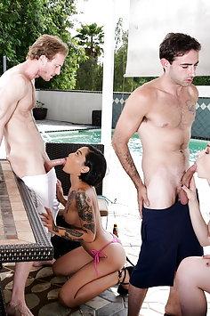 Neighborhood swingers Jennifer Jacobs & Honey Gold have interracial pool sex party   DevilsFilm - image