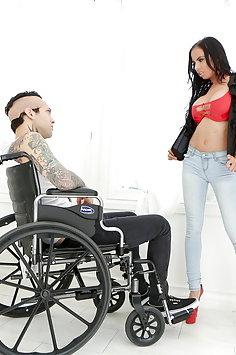 Stepmom Brandy Aniston fucks stepson in wheelchair | Pimp.XXX Family - image