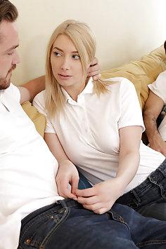 Carmen Caliente & Gia Love freaky family foursome | Nubiles Porn: My Family Pies - image