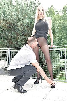 Florane Russell sensual foot fetish fucking | DDFnetwork: Hot Legs and Feet - image