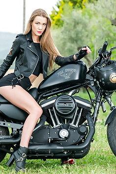 Alexis Crystal fucks on motorbike | Private - image