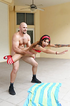 Petite cheerleader Kitty Carrera fucked outdoors | Mofos: Don't Break Me