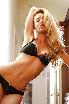 Blonde lesbians Kayden Kross & Ryan Ryans   TrenchcoatX - image