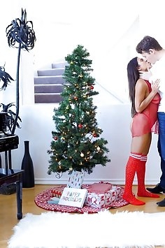 Autumn Falls passionate Christmas sex & facial | Passion HD - image