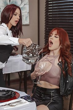 Restaurant critic Molly Stewart eats waitress Evelin Stone's pussy | Brazzers: Hot And Mean - image