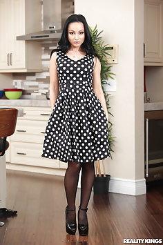 MILF Crystal Rush scissoring teen Gabriela Lopez | RealityKings: Moms Lick Teens - image
