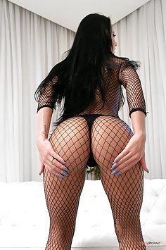 Liandra Andrade anal & DP gangbang | LegalPorno - image