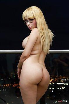 Natasha Teen anal fucking | LegalPorno - image