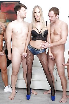Florane Russell double anal gangbang | LegalPorno - image