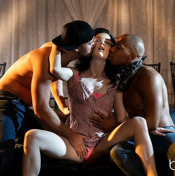 Evelyn Claire interracial threesome | Babes